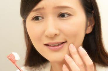 唾液が少ないと虫歯になりやすいってホント?唾液の効果とは