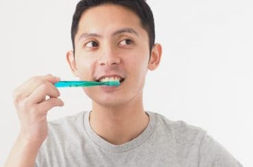 歯石はなぜできる? 予防のために知っておくべきこと