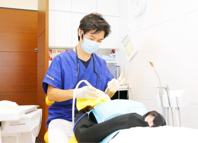 江東区東雲、豊洲の歯医者のキャナルコート歯科クリニック 診療風景